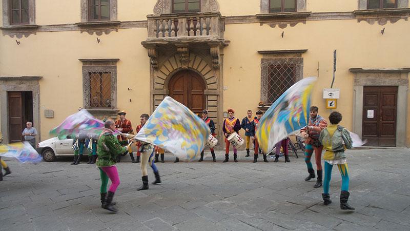 mujergloba_aboca_la_toscana_2