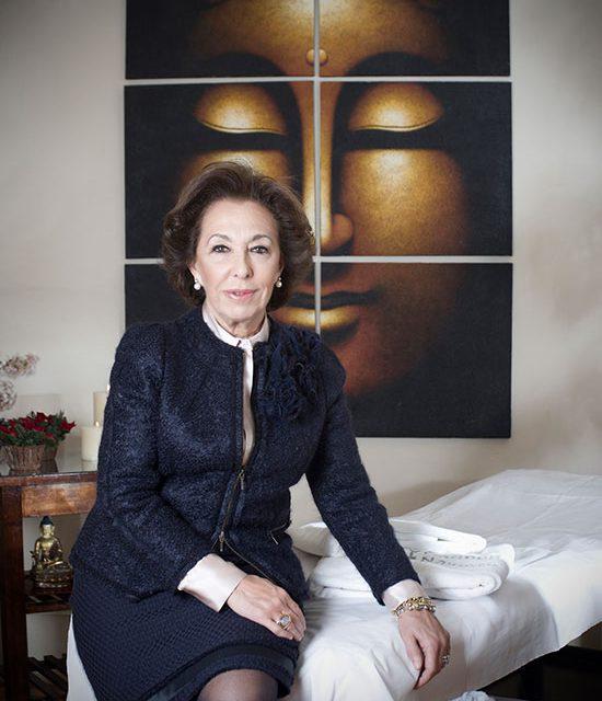 Carmen Navarro, una mañana en su Salón de Belleza