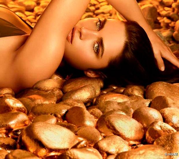 Huile Prodigieuse, ilumina la piel y el cabello