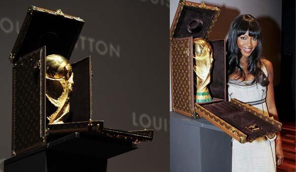 La copa del mundo ha viajado a España en un baúl de Louis Vuitton