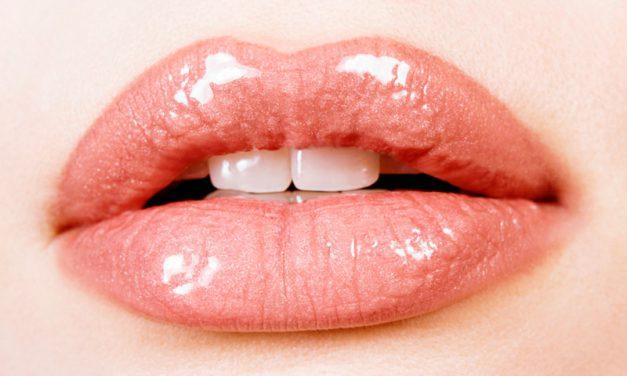 Labios hidratados, protegidos y con un bonito brillo con Eight Hour de Elizabeth Arden