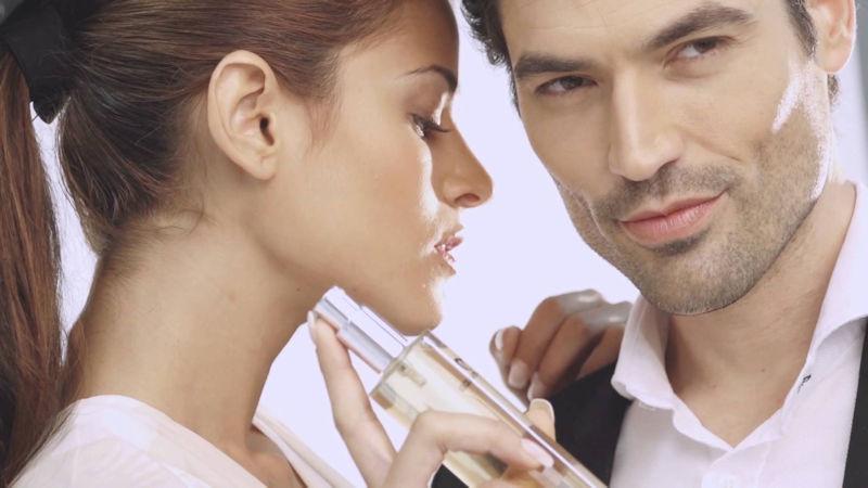 #NotAnotherFCKingPerfume si decides regalar un perfume, hazlo bien