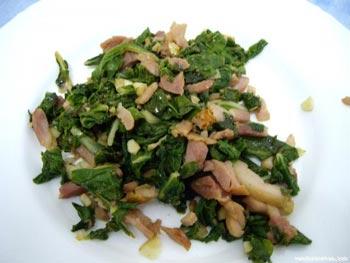La receta del día: Acelgas con piñones y jamón serrano