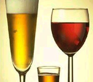 La mujer es menos propensa a padecer alcoholismo