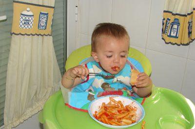 Como enseñar a los más pequeños a comer