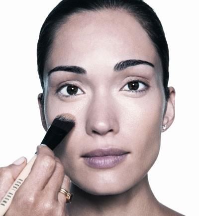 Bobbi Brown, la belleza en 10 pasos: base de maquillaje (Paso II)