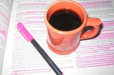 Las bebidas que contienen glucosa y cafeína mejoran la eficiencia cerebral