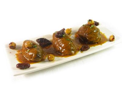 La receta del día: Carrilleras de cerdo en su salsa y frutos secos tostados