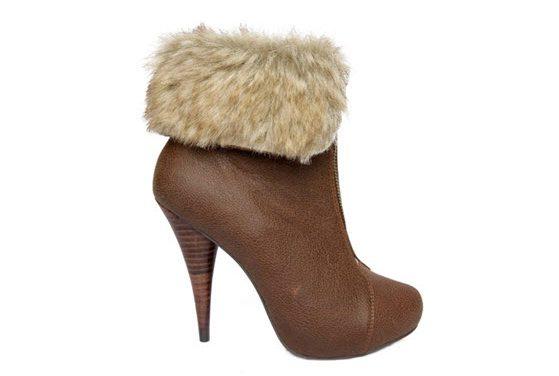 Blanco: Colección otoño-invierno 2009 de zapatos