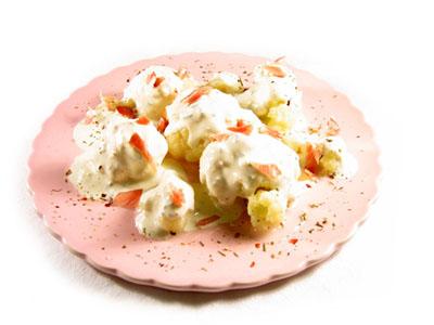 La receta del día: Coliflor con salsa de queso azul al microondas