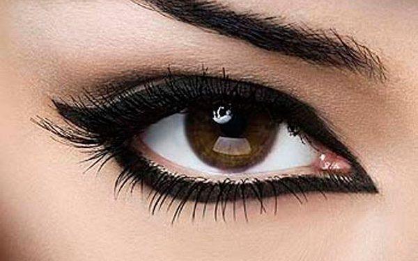 Cómo hacer un delineado de ojos de tres formas distintas