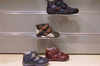 Consejos a la hora de comprar zapatos a los niños