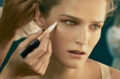 El toque de los maquilladores: corrector Max Factor