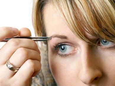 Lo que debes saber antes de depilarte las cejas
