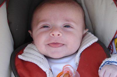 Desarrollo psicomotor del bebé: Segundo mes