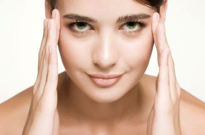 Como disimular unos ojos cansados con un buen maquillaje