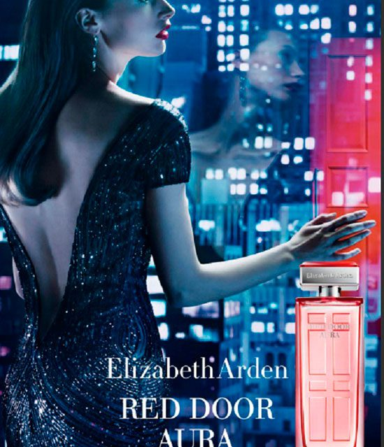Elizabeth Arden lanza Red Door Aura