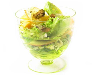 La receta del día: Ensalada de aguacate, manzana, queso y nueces con vinagreta balsámica
