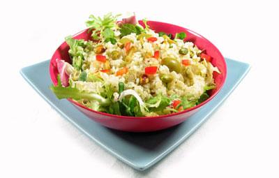 La receta del día: Ensalada verde de arroz con aceitunas y pistachos