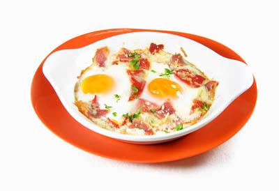 La receta del día: Huevos escalfados con salteado de hortalizas