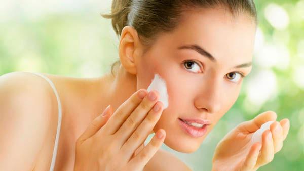 5 imprescindibles para la piel que no te pueden faltar este verano