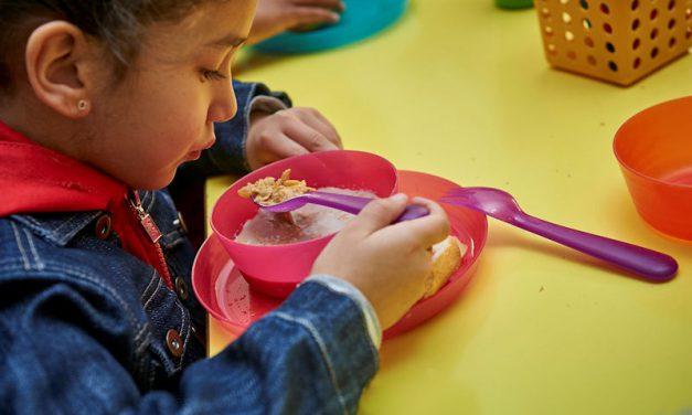 Kellogg's, reparte desayunos a los niños que más lo necesitan