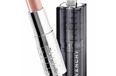 Labios brillantes con Rouge Interdit Shine de Givenchy
