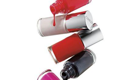 Nuevas lacas de uñas para pieles y ojos sensibles de Clinique
