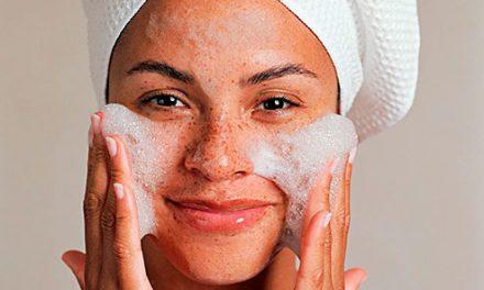 Como hacer una limpieza facial en profundidad en casa