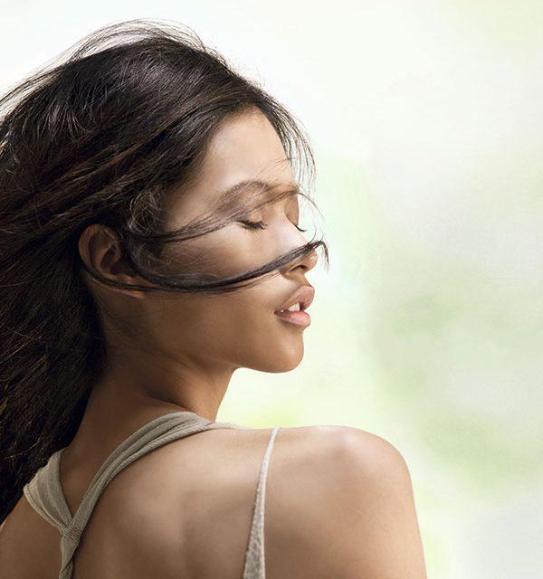 Nueva línea para el cuidado del cabello libre de sulfatos, parabenos y colorantes artificiales, Elements de Wella Professionals