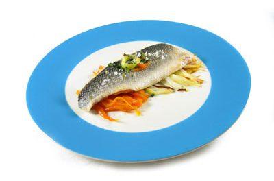 La receta del día: Lubinas con puerro y zanahorias salteadas