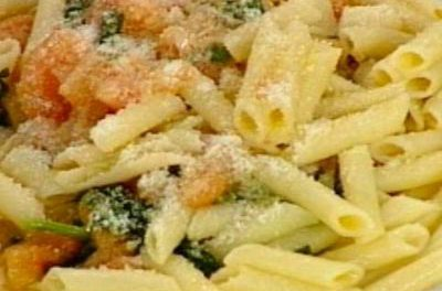La receta del día: Macarrones con albahaca