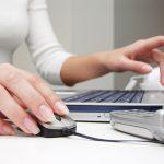 Ejercicios para evitar la tendinitis causada por el ordenador