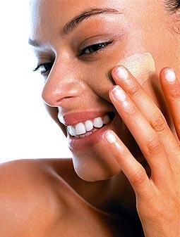 Maquillaje: Pros y contras de aplicarlo con los dedos