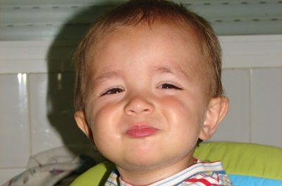 Los niños que se comunican con gestos tienen a los cuatro años y medio, un vocabulario más rico
