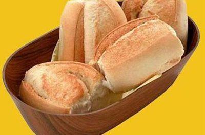 Los expertos en nutrición recomiendan no retirar el pan de las comidas