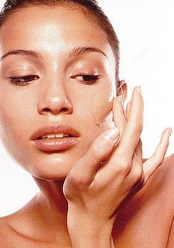 El paso del tiempo y el cuidado de la piel a cada edad