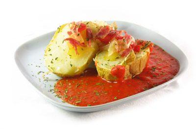 La receta del día: Patatas asadas con salsa de pimiento del piquillo