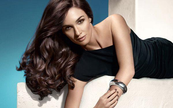 Sácale partido a tu pelo mediterráneo con Elvive Hidra-Colágeno