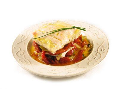 La receta del día: Filete de perca a la plancha con fritada de pimientos