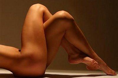 Luce unas bonitas piernas