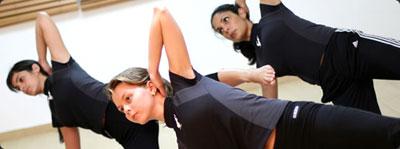 Pilates: Estira hombros y pecho
