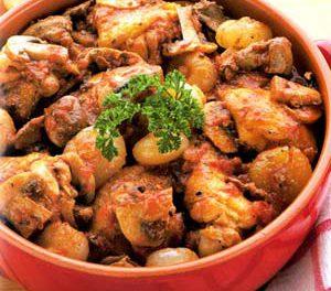 La receta del día: Pollo con tomates y ajos al vino blanco