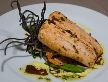 La receta del día: Rodajas de salmón con miel y mostaza