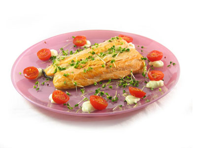 La receta del día: Salmón a la plancha con germinado de brócoli
