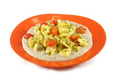 La receta del día: Tortellinis de carne en salsa de champiñones y parmesano