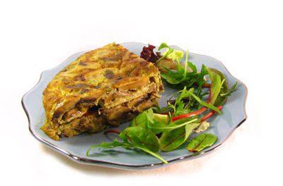 La receta del día: Tortilla con champiñones, pimiento verde y cebolla
