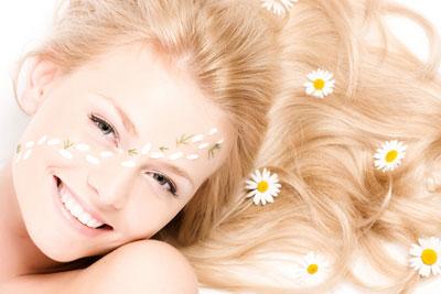 Trucos para tener un cabello más claro sin tinte