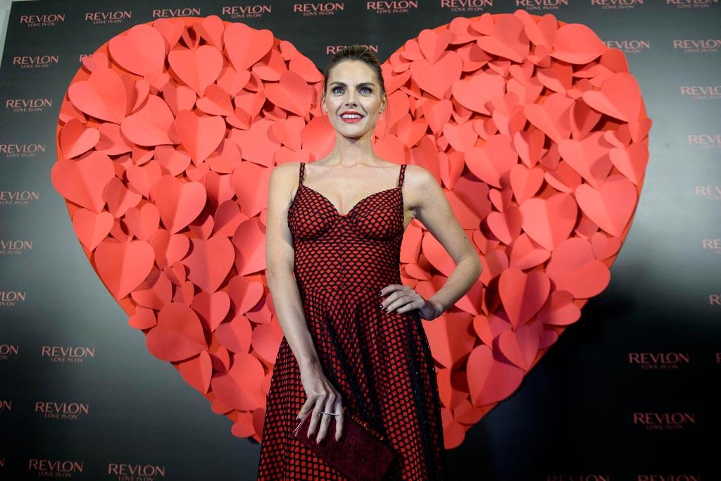 """Revlon regresa a España con el slogan """"love is on"""" y su embajadora ..."""