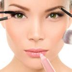 Maquillaje, que productos no te pueden faltar este verano